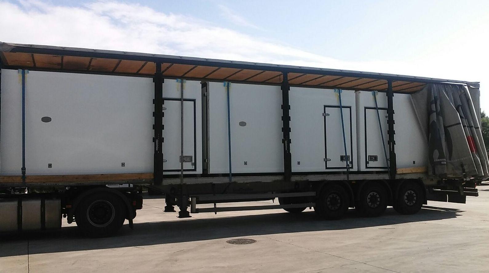 Transporte de Cajas frigorificas sobre tauliner