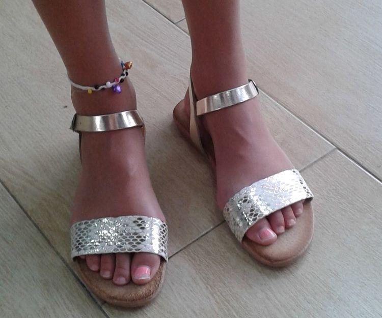 Sandalias de diversos estilos para niña