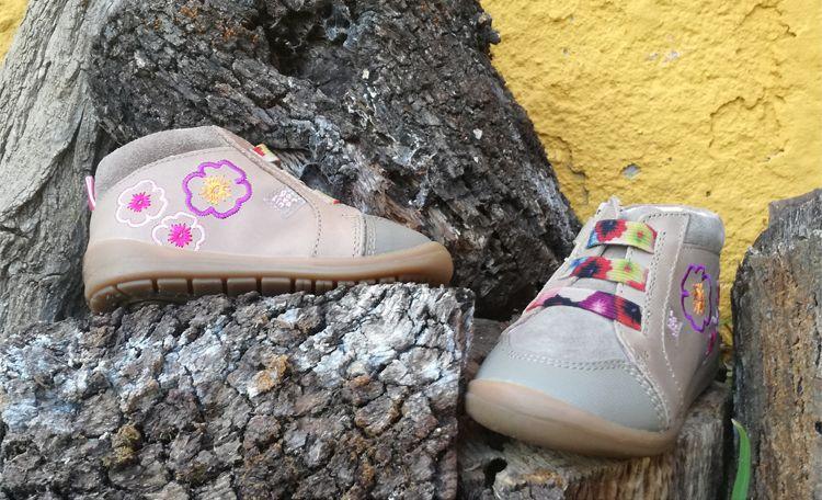 Zapatos infantiles y juveniles en Pamplona y Logroño