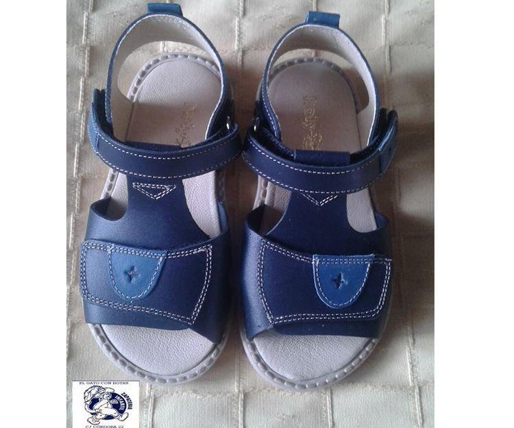 Zapatos para niña en Sevilla