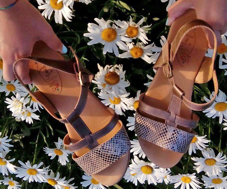 Zapatillas para niñas moda verano en Sevilla
