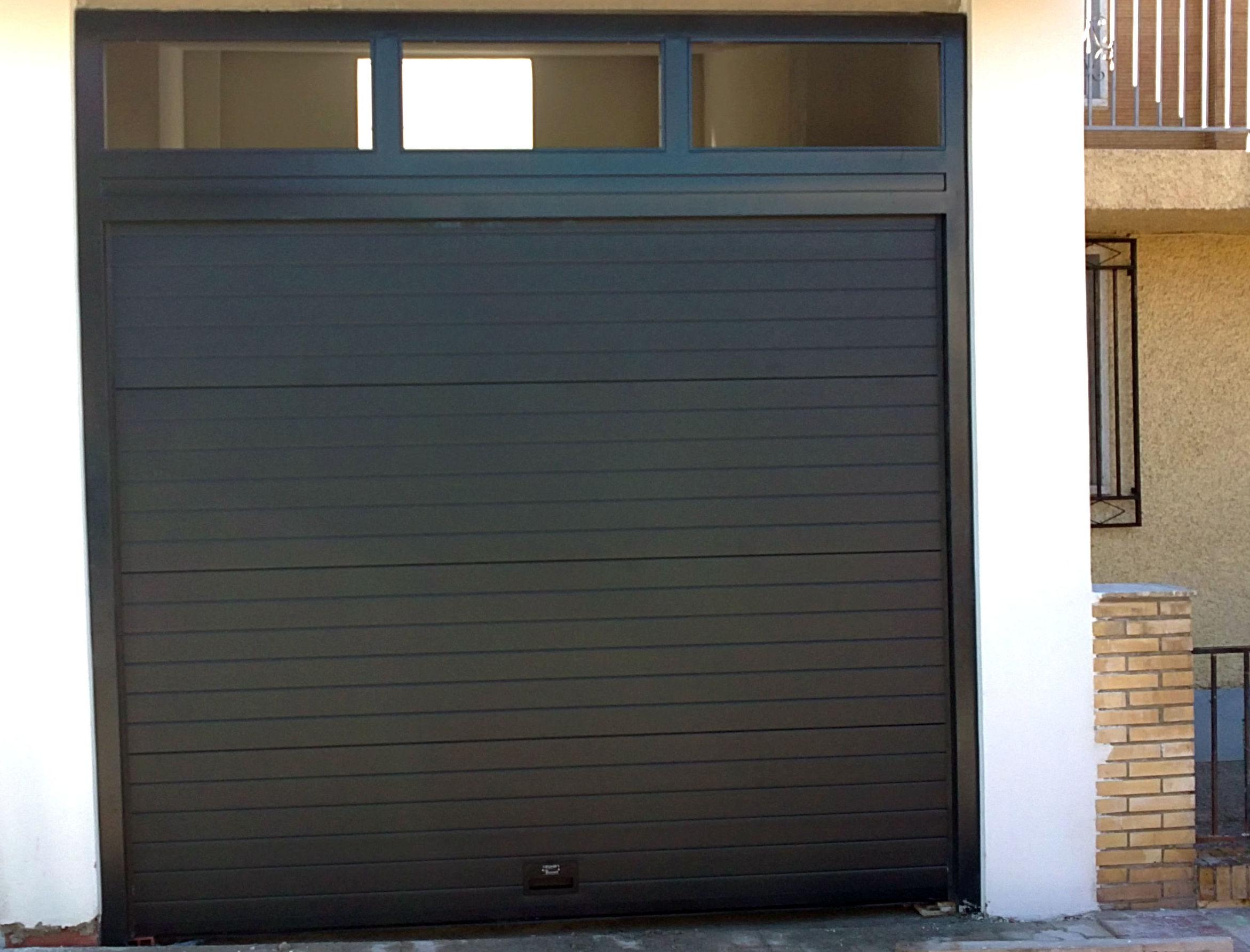 Puertas seccionales de moderno diseño
