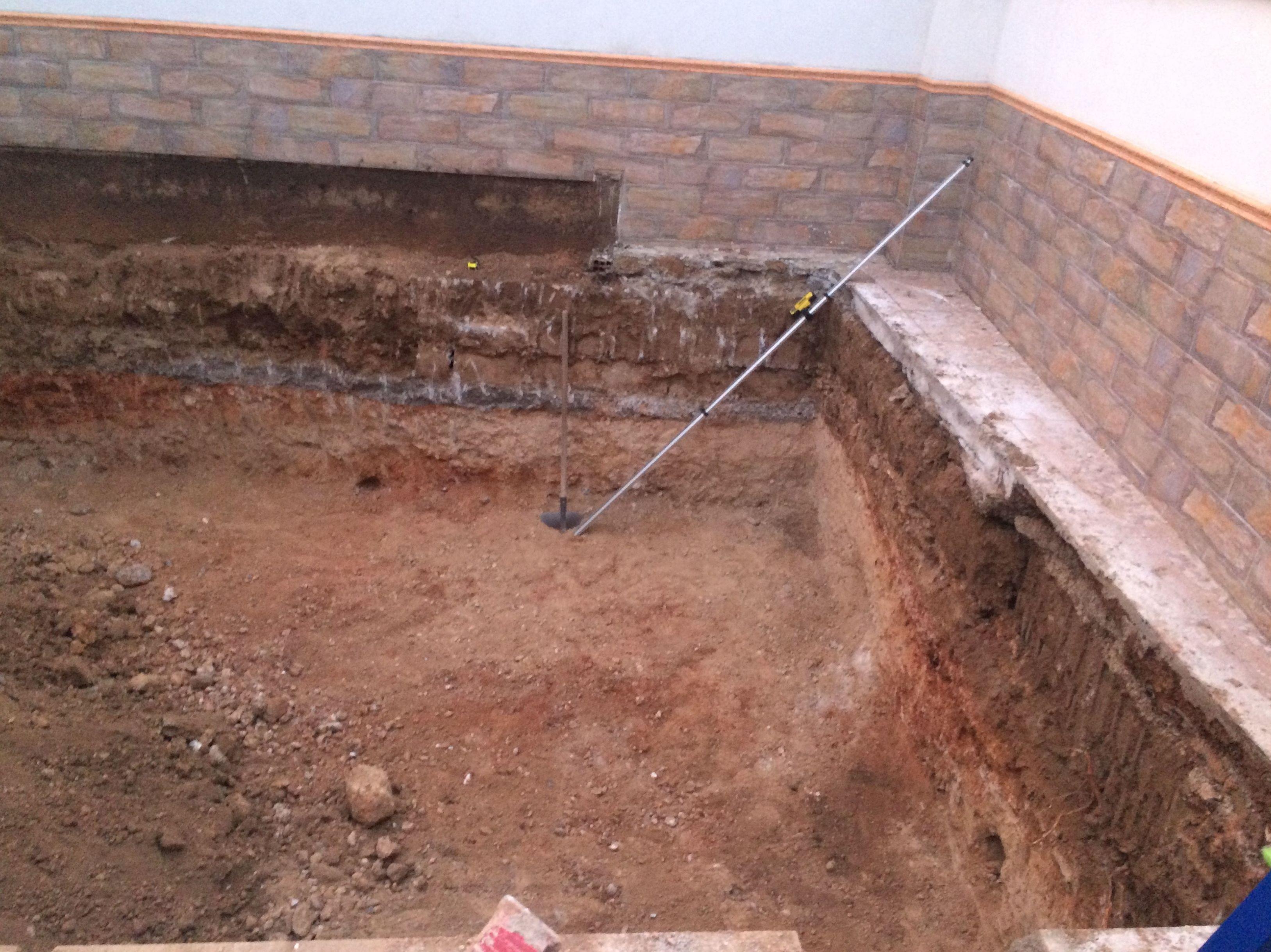 Excavación para piscina en los Ogijares
