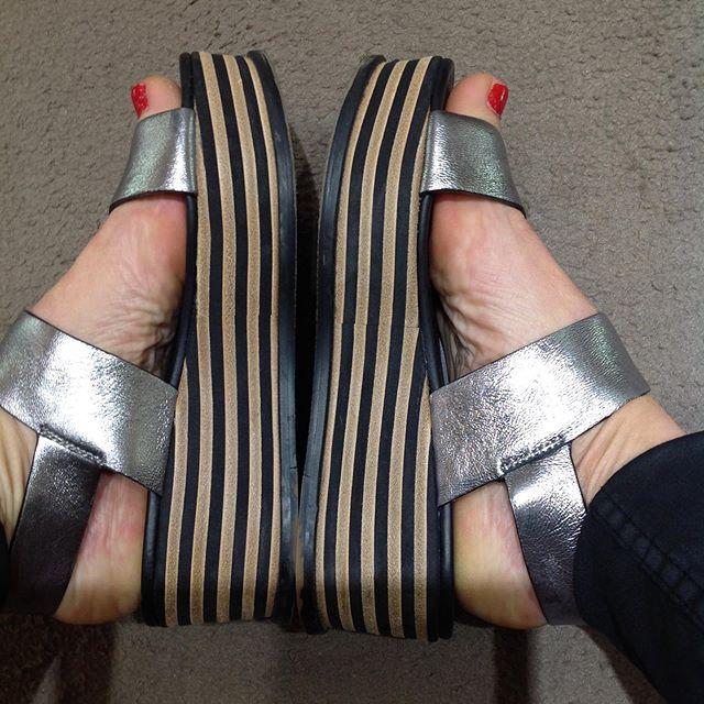 Sandalias y zapatos de moda en Tarragona