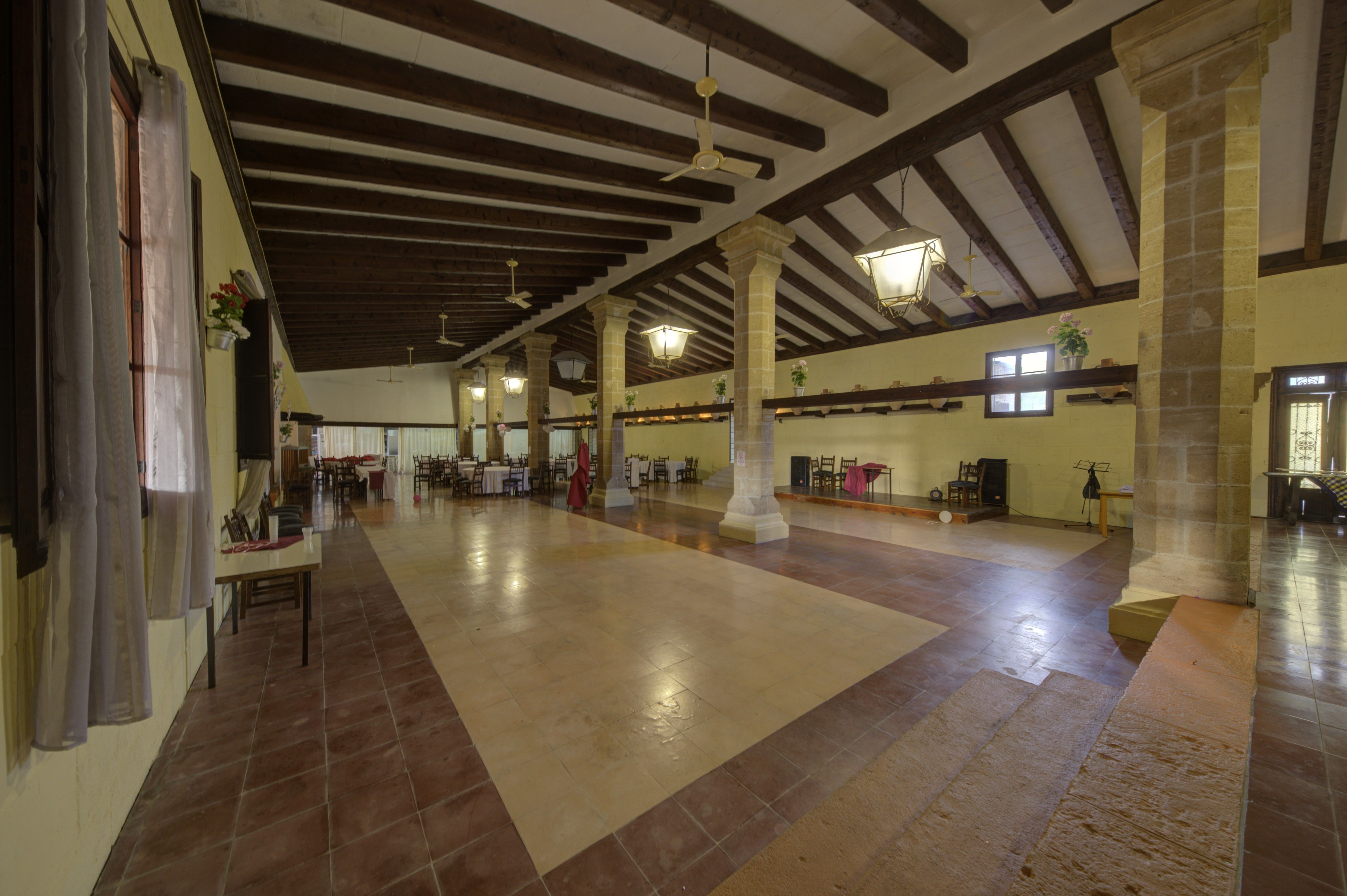 Salón RESTAURANTE SES TRES GERMANES