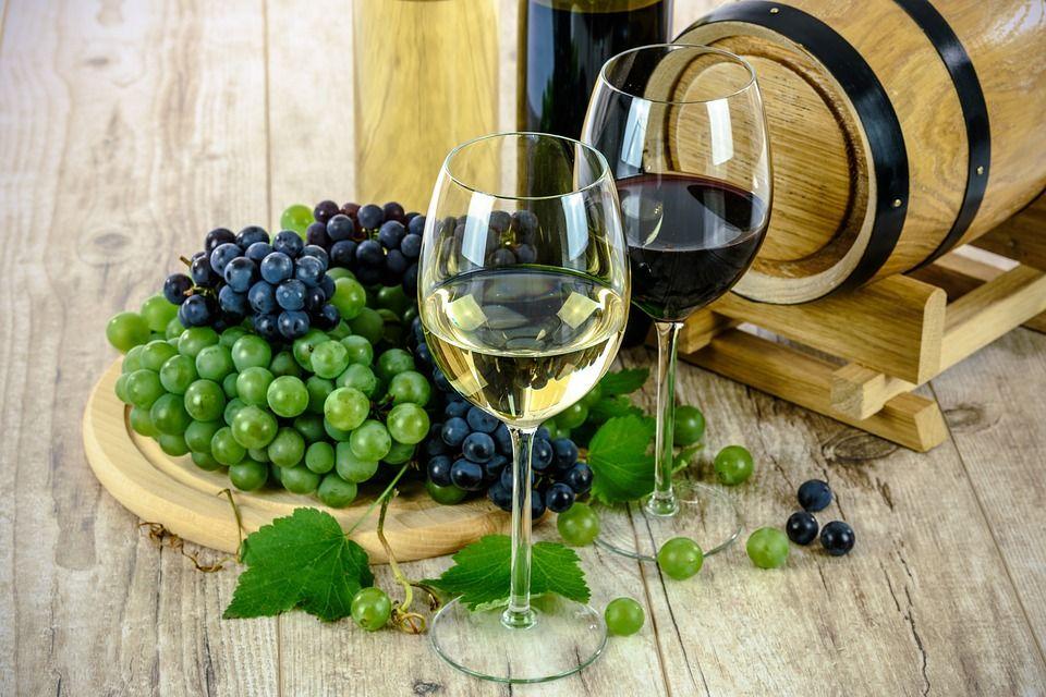 Selección de vinos: Servicios de Bar La Rivera