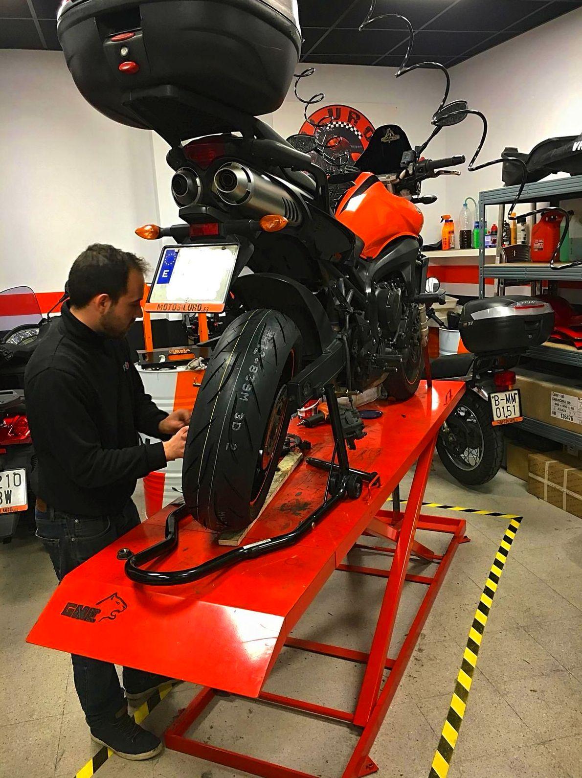 Foto 6 de Taller de motos multimarca en Mataró | Motos Iluro