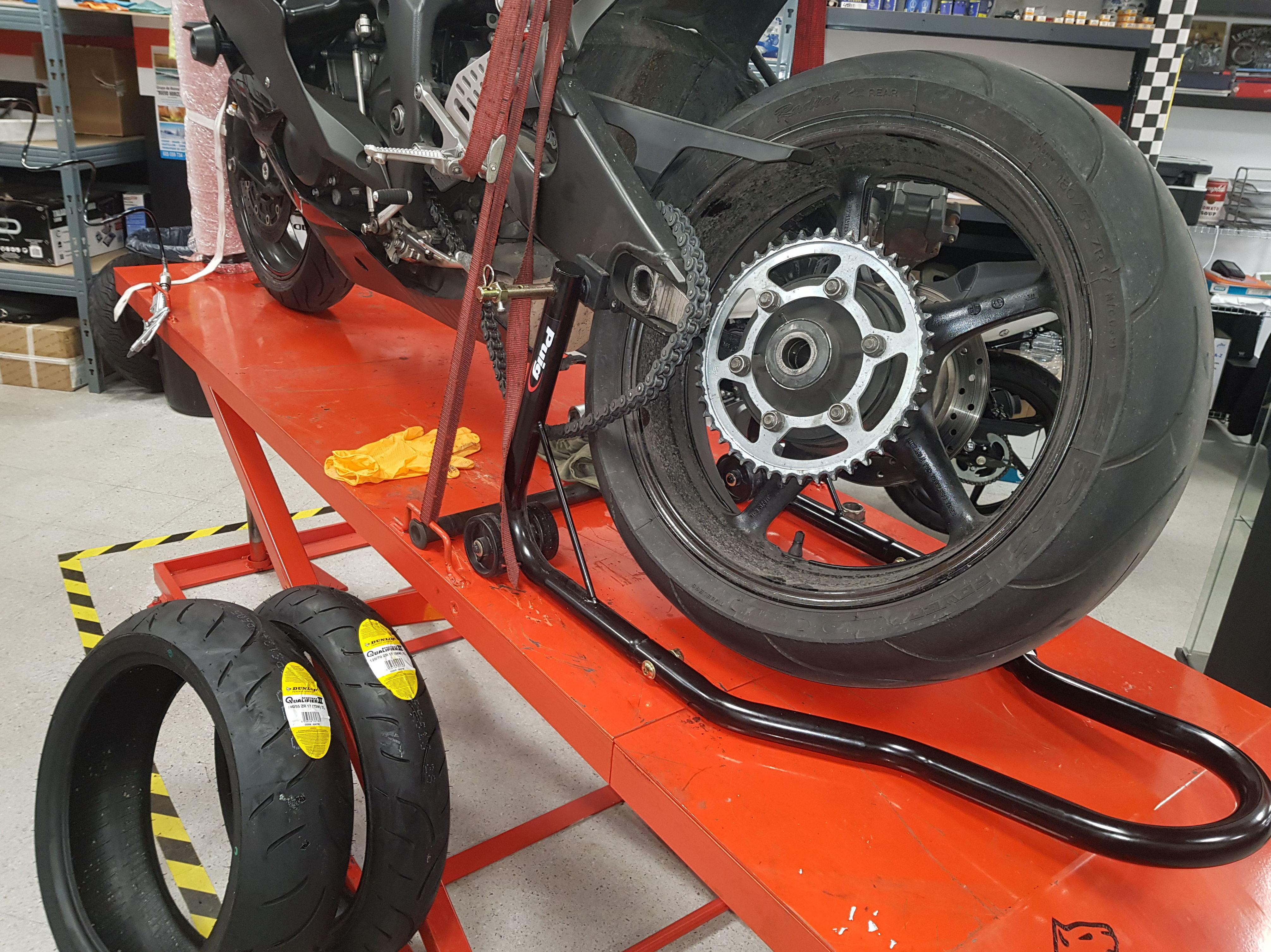 Foto 5 de Taller de motos multimarca en  | Motos Iluro