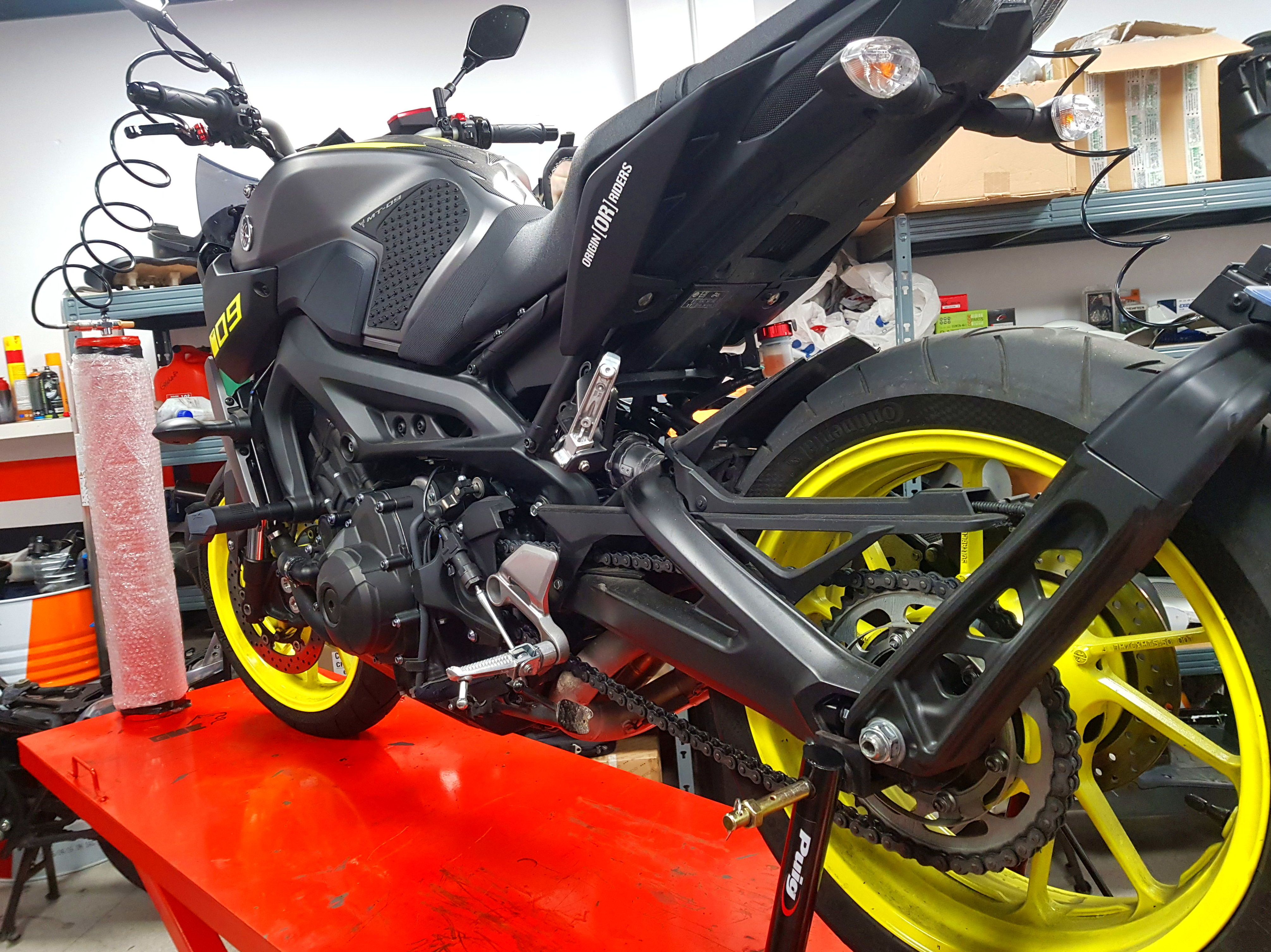 Foto 4 de Taller de motos multimarca en Mataró | Motos Iluro