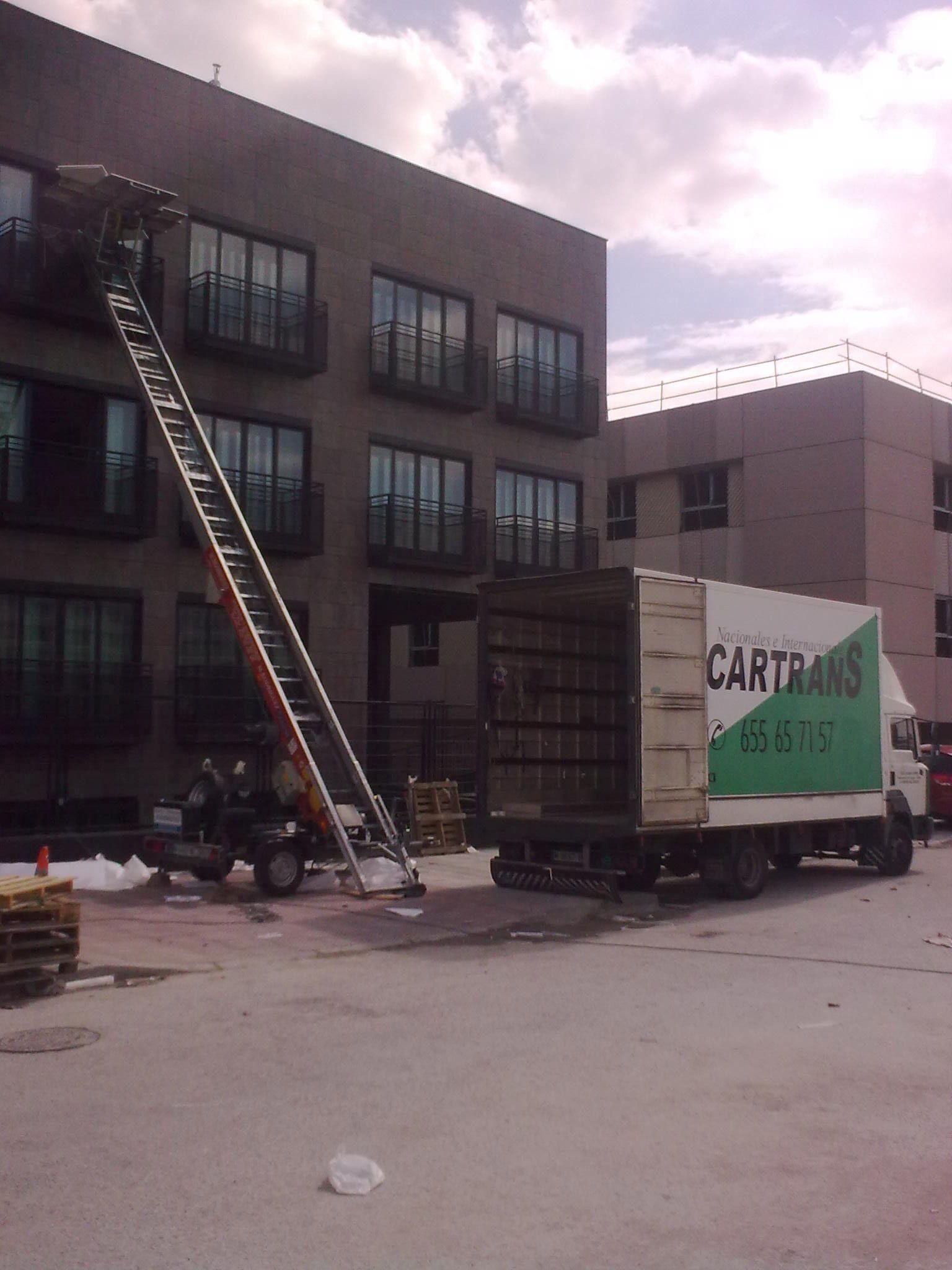 Muebles En Madrid Centro : Distribución y almacenaje de muebles en madrid centro a