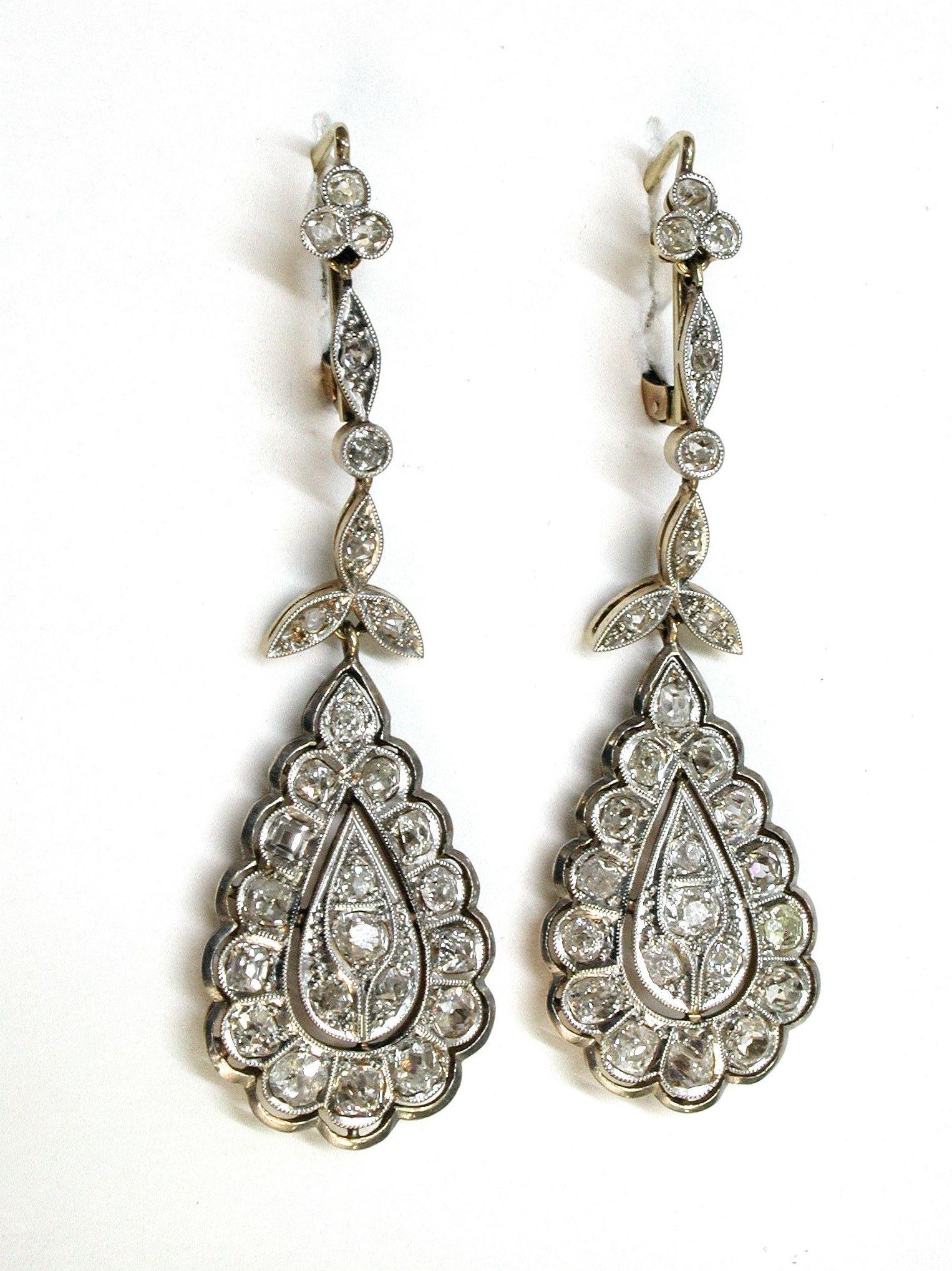 Pendientes de oro de 18k, vistas en platino y diamantes talla roca. 1890.: Catálogo de Antigua Joyeros