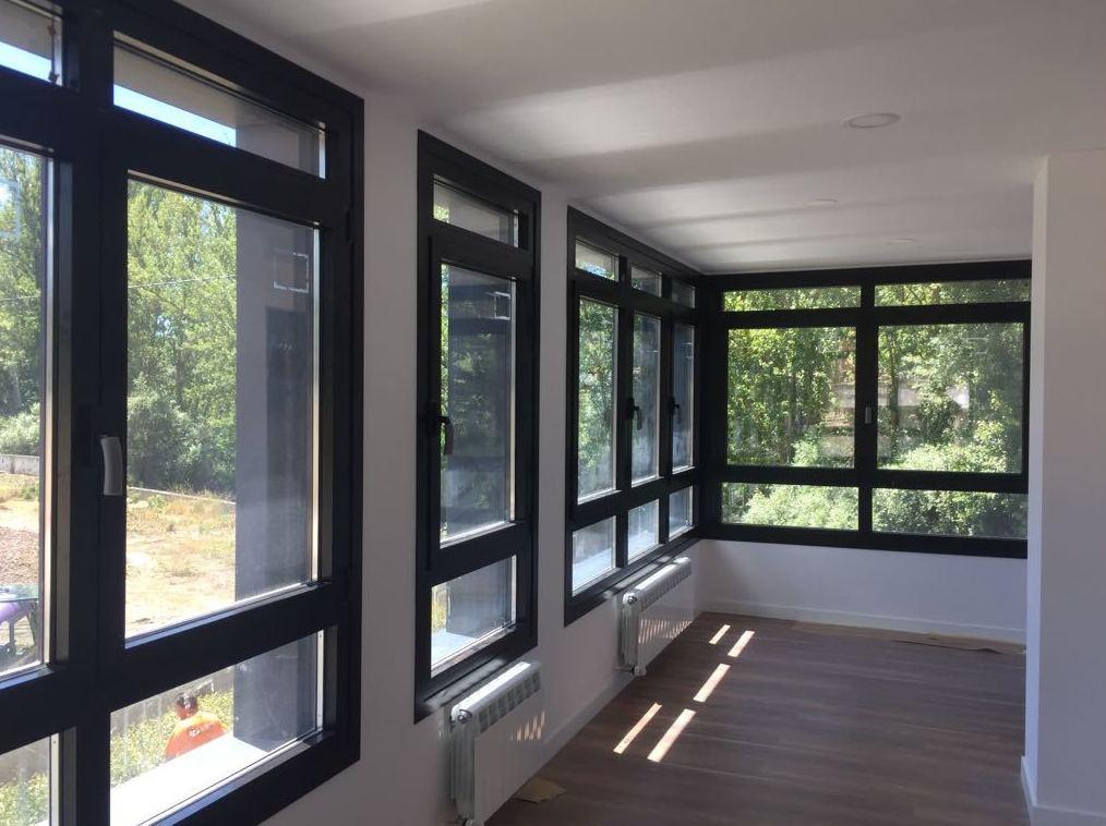 Foto 13 de Carpintería de aluminio, metálica y PVC en Burgos | Aluminios Rilova