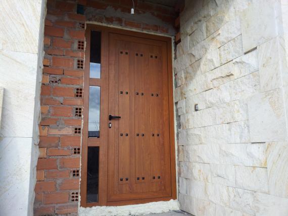 puerta de entrada embero rustica