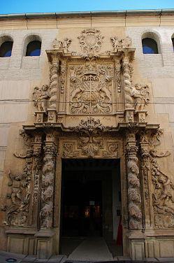 Cafal realiza trabajos de estuco en el palacio Guevara de Lorca