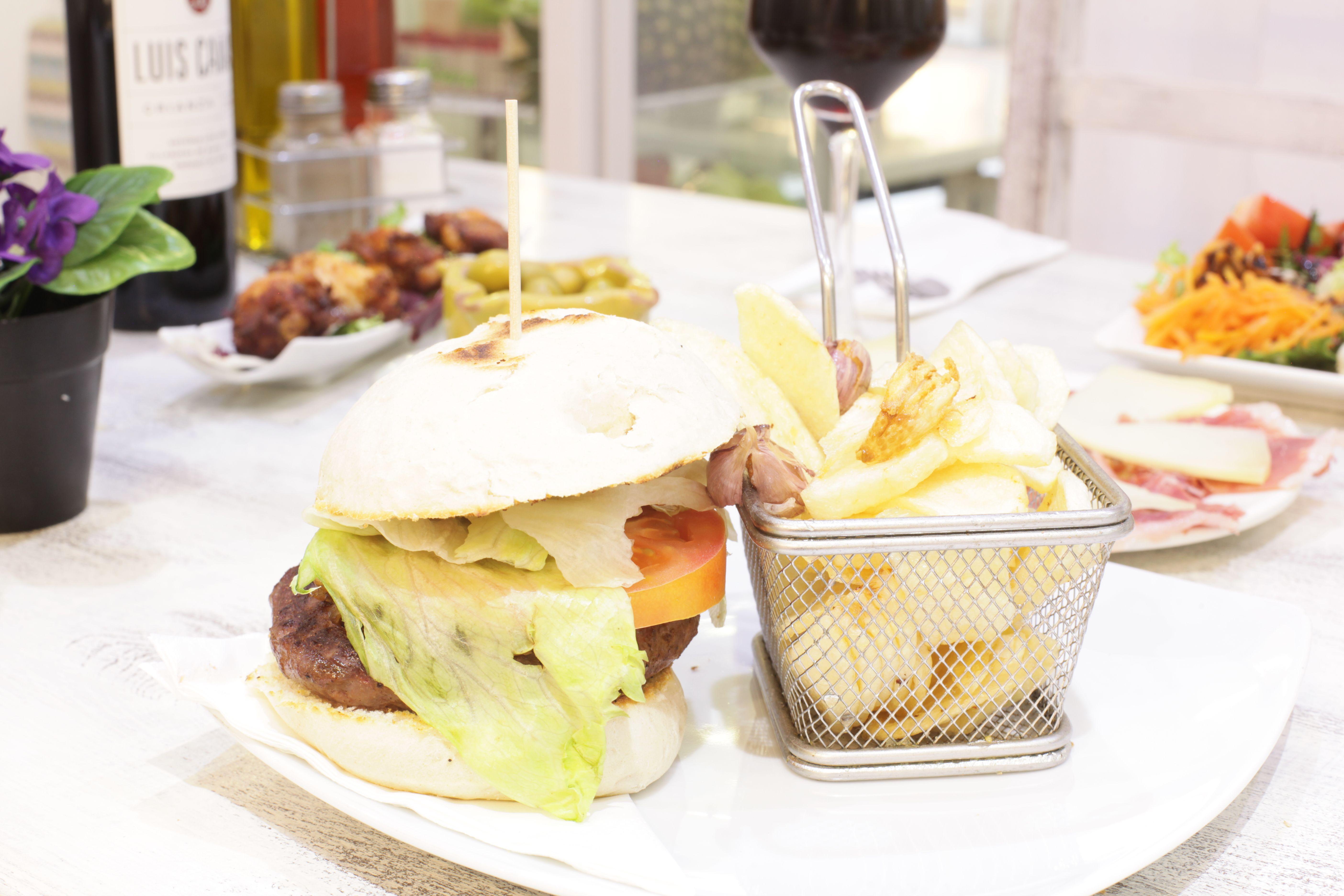 Riquísimas hamburguesas en Hamburguesería Lina