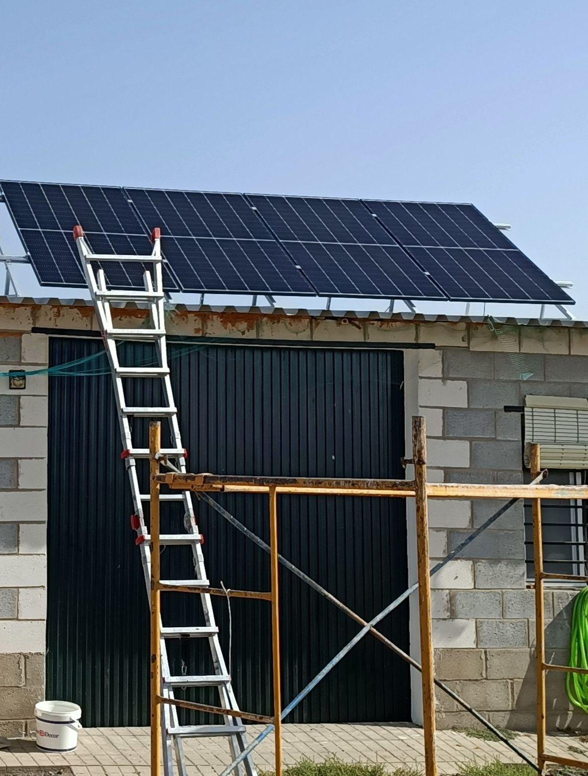 Panel fotovoltaico Monocristalino de 440Wp, 120 células y 20.77% de rendimiento.