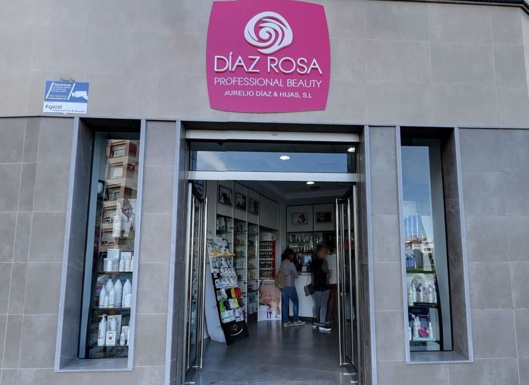 Foto 4 de Peluquería y estética (distribución) en Huelva | Díaz Rosa Professional Beauty