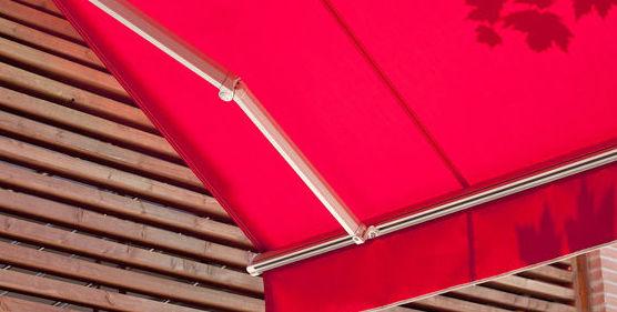 Reparaciones y mantenimiento, cambio de lonas : Instalación y fabricación  de Toldos Embajadores