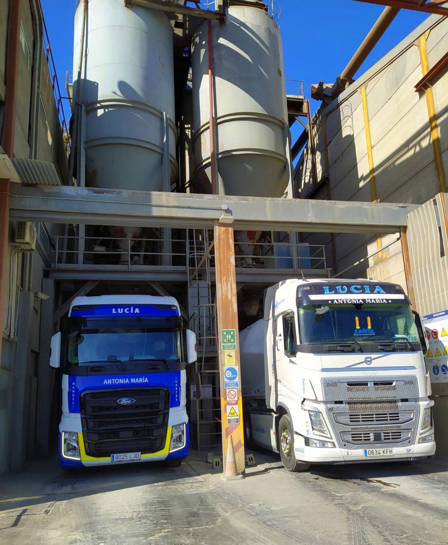 Foto 4 de Cemento en  | Transportes Ciudad de Alhama