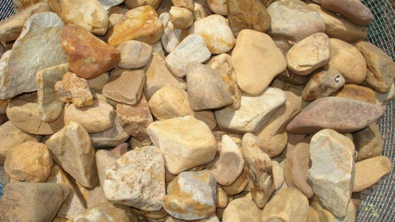 Piedras Medias Multicolor : Catálogo de Luis Franco Medeiros