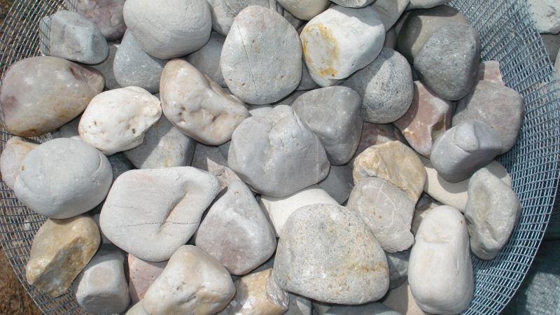 Piedra De Decoracion Media Varios Colores: Catálogo de Luis Franco Medeiros