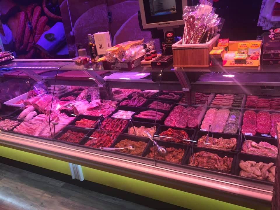 Carnes y embutidos en Baza