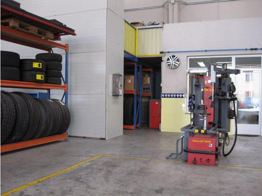 Neumáticos, dirección y suspensión de camiones en Salamanca