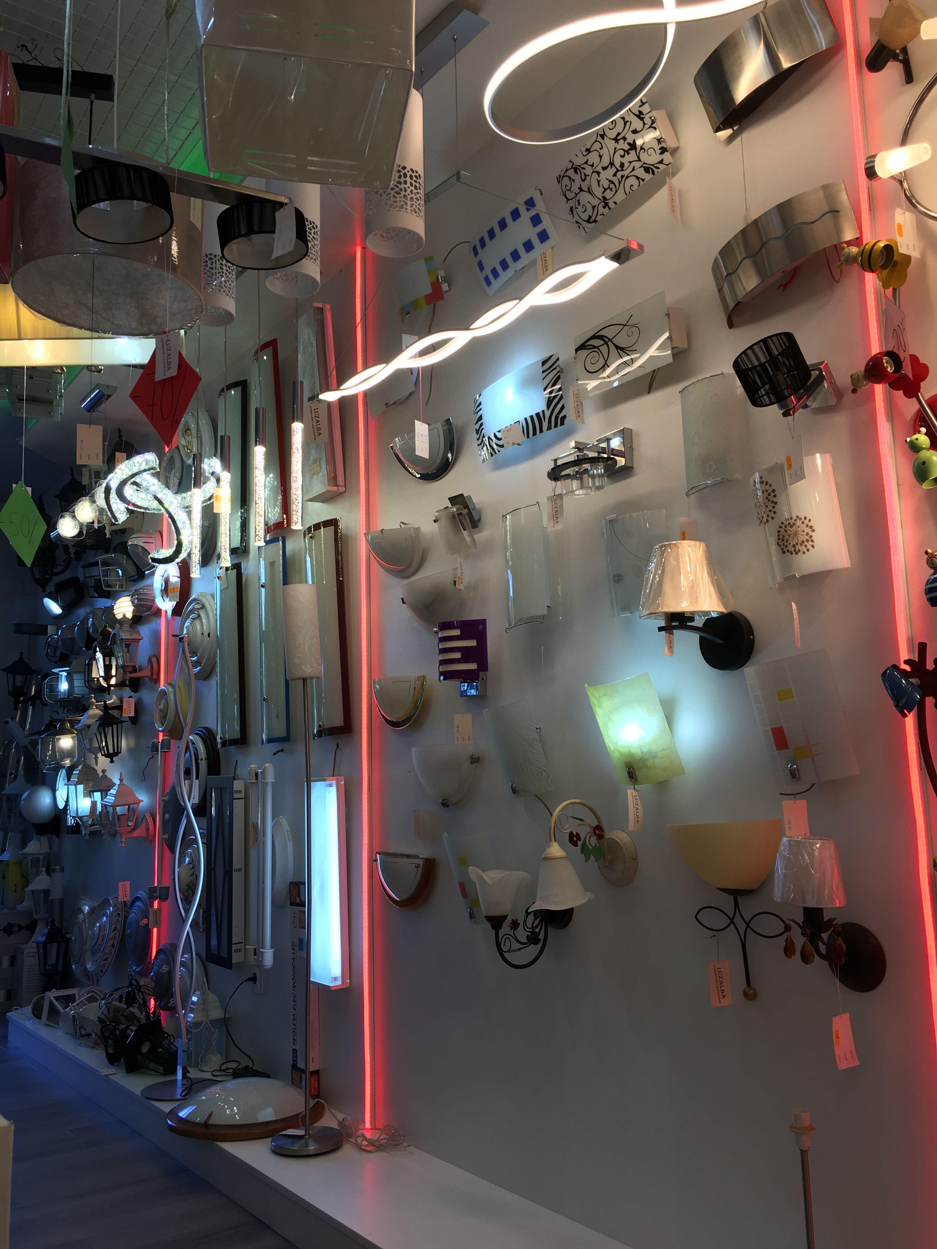 Amplia gama de modelos de apliques y lámparas