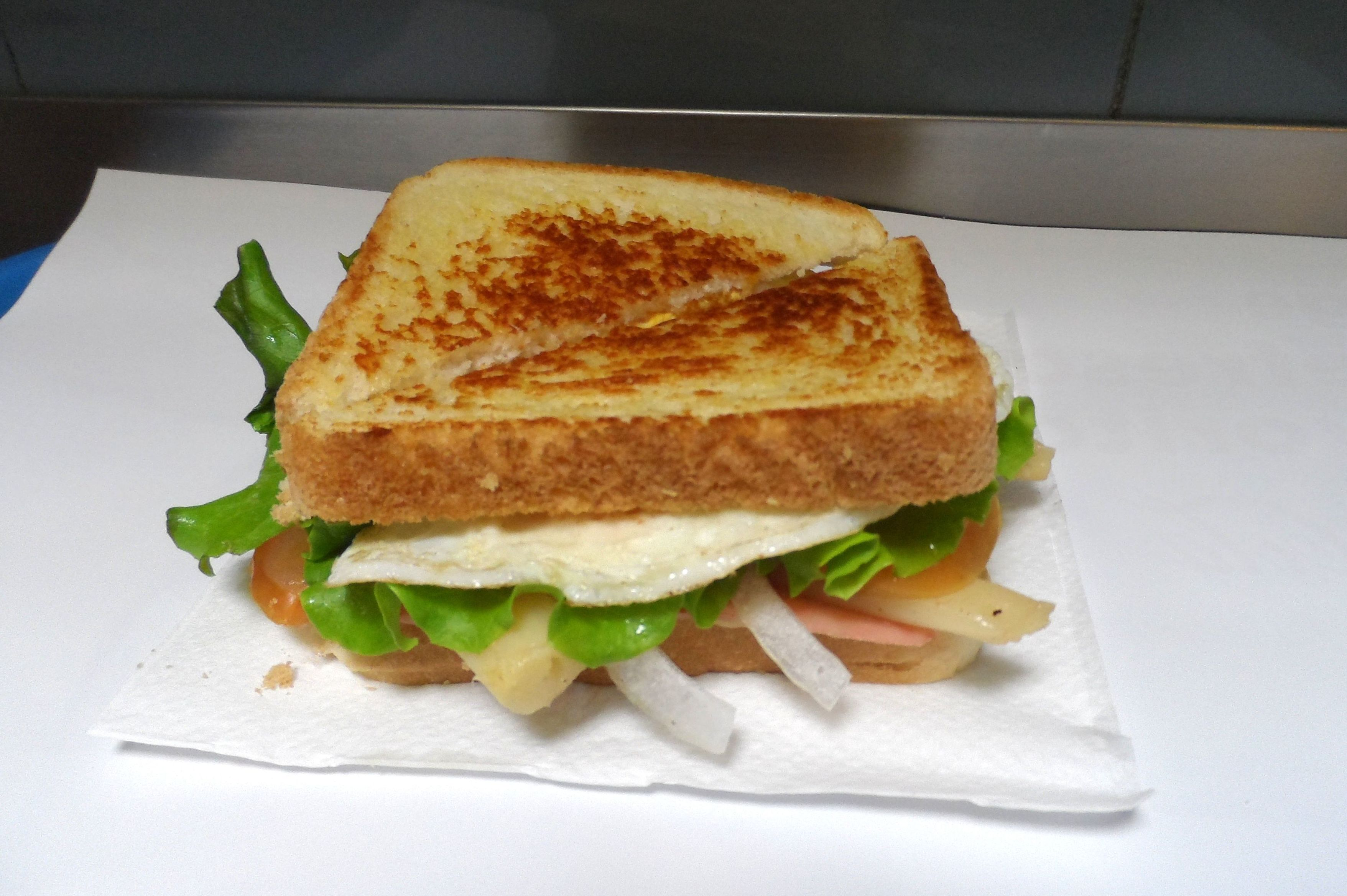 Sandwich: Carta de Pizzería Pizz - Bur