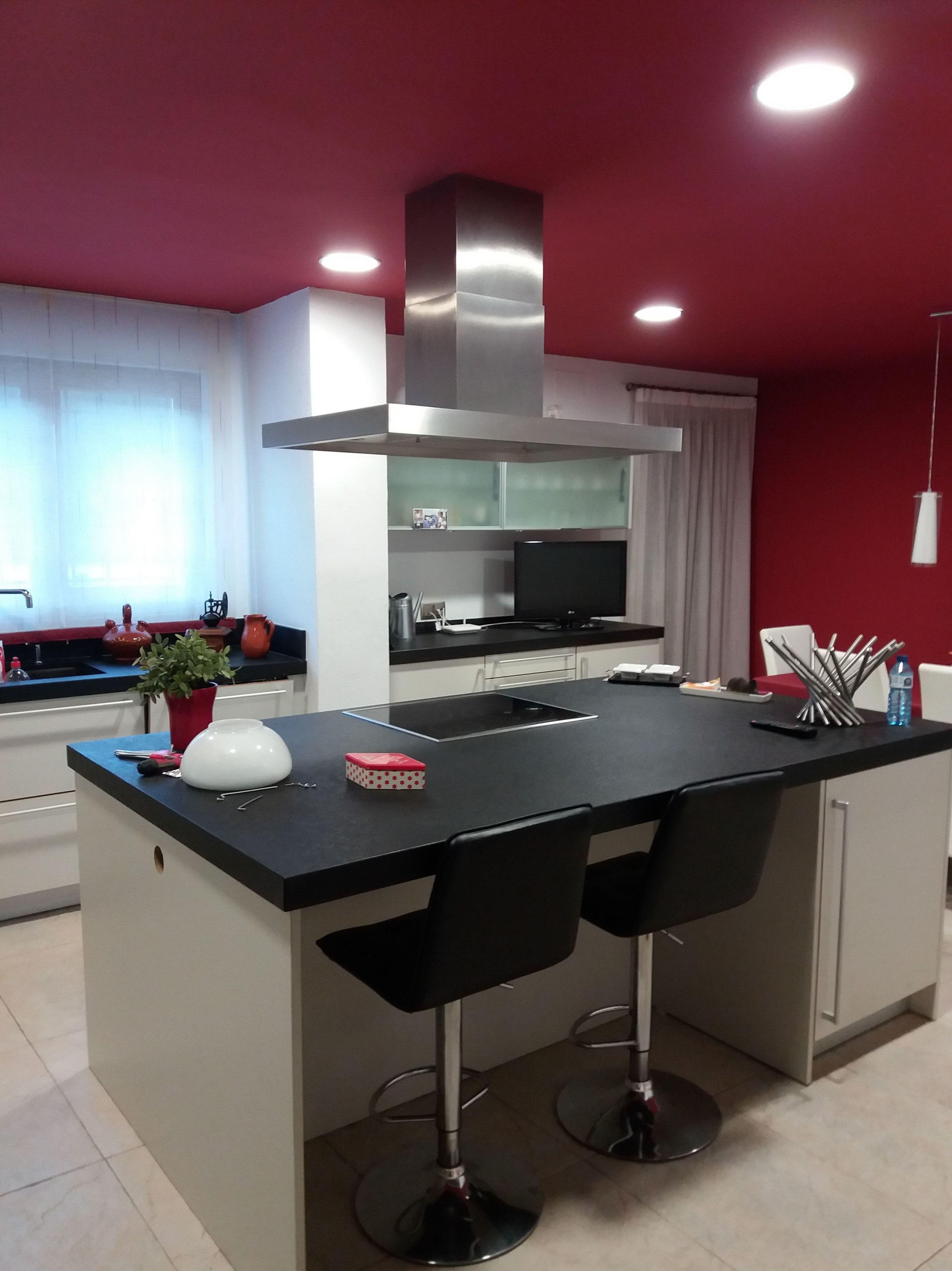 Cocina :  detalle isla cocion y trabajo