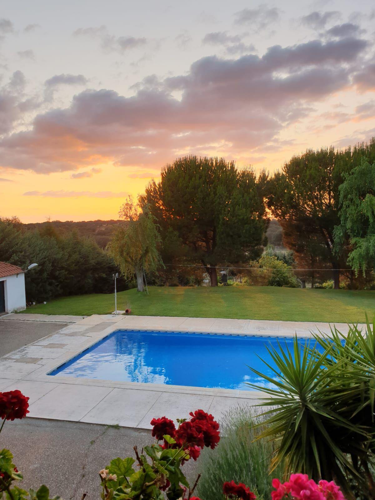 Alquiler de casa con piscina para reuniones o celebraciones