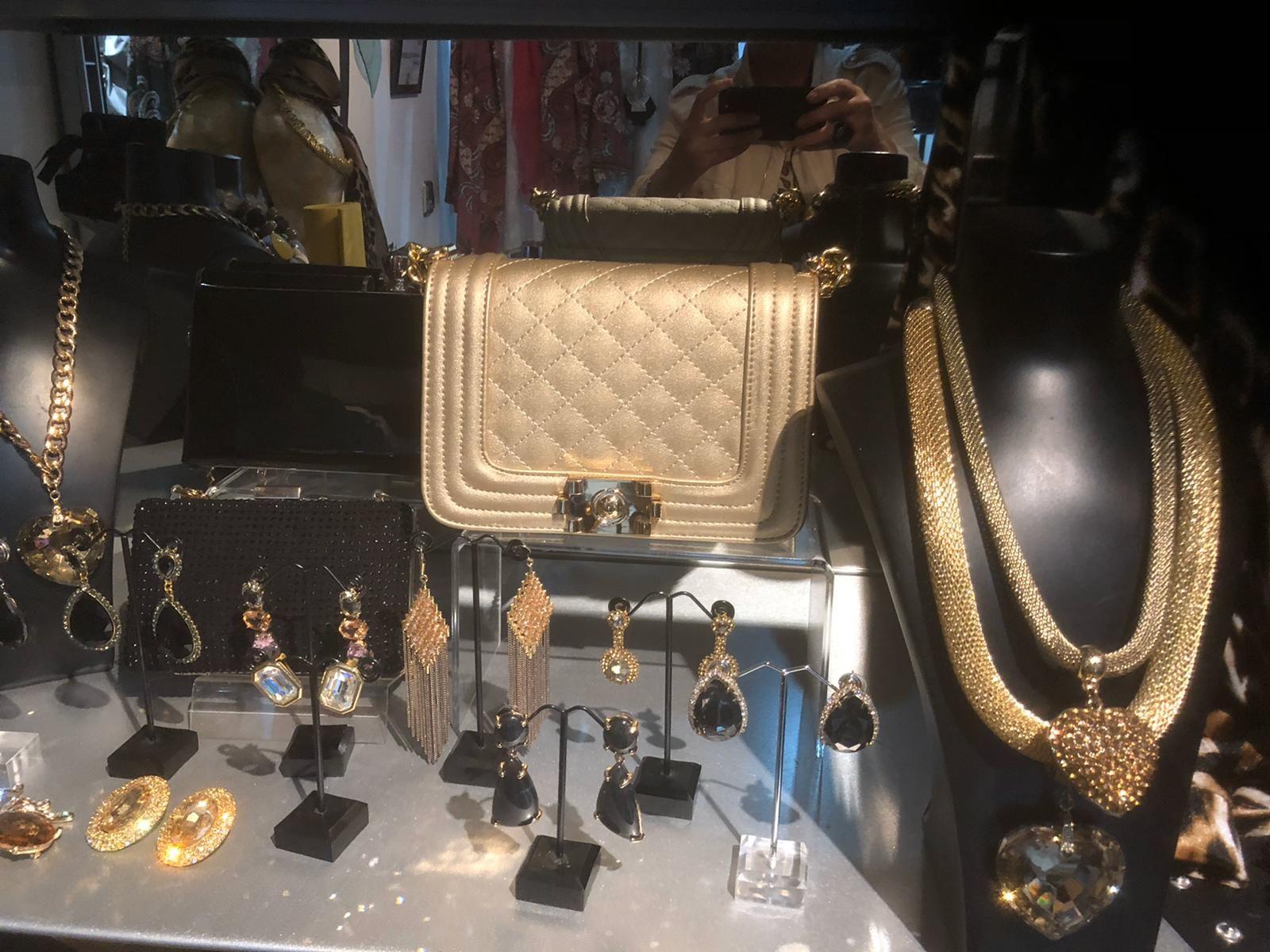 Foto 2 de Accesorios de moda en  | M Fashion magnolia