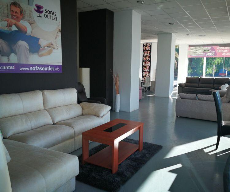 Interior de nuestra tienda de sofás en Valencia