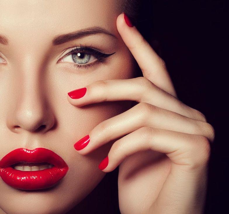 Maquillaje: Servicios de Dioses de la Belleza