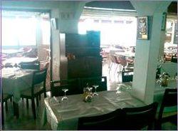 Restaurante con amplios salones