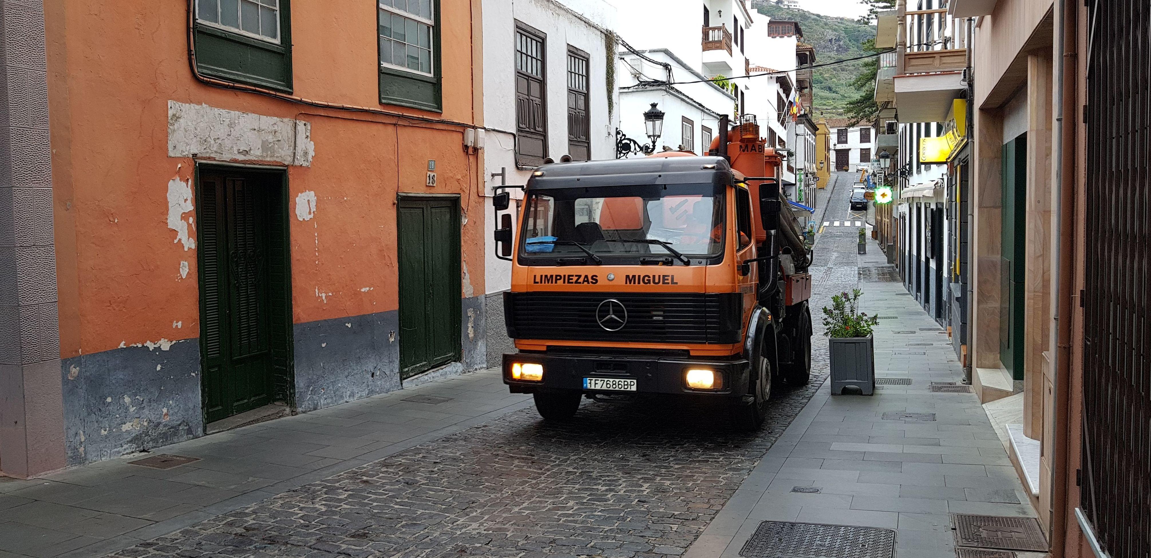 Foto 1 de Empresas de limpieza en Puerto de la Cruz | Limpiezas Miguel 24H