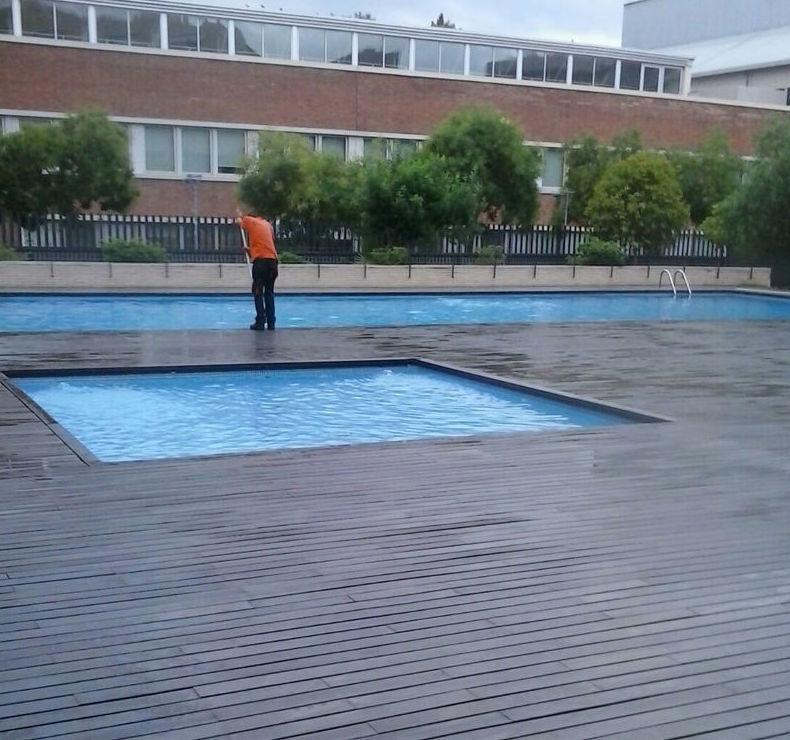 Limpieza de jardines y piscinas