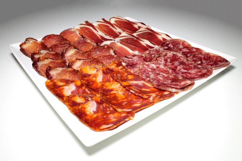 Venta y degustación de embutidos ibéricos en Atocha, Madrid