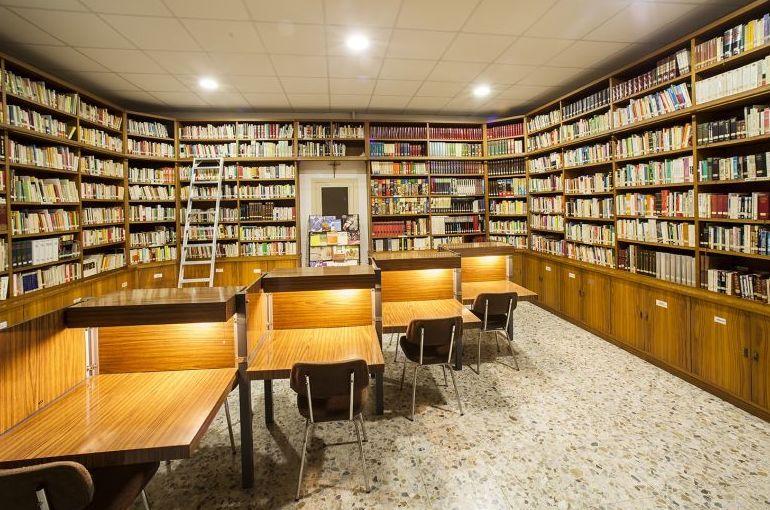 Biblioteca de la residencia de estudiantes en Barcelona