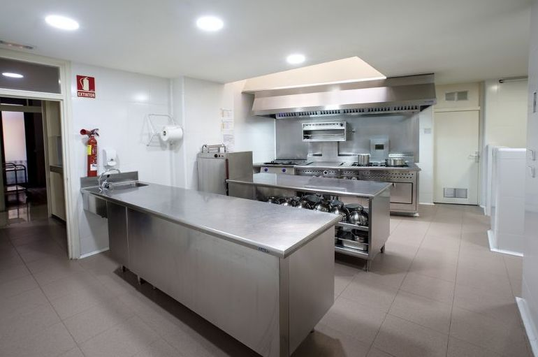 Cocina de la residencia de estudiantes en Barcelona