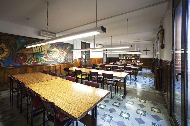 Sala de estudio de la residencia de estudiantes en Barcelona