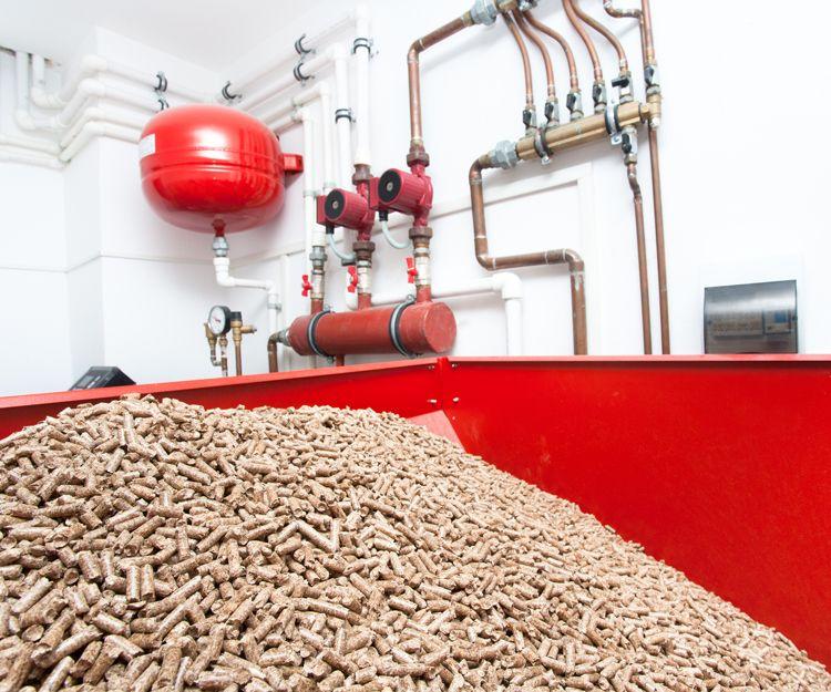 Reparación e instalación de calderas de biomasa en Llubí, Baleares