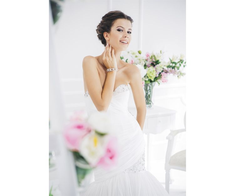 Elaboración de trajes de novia