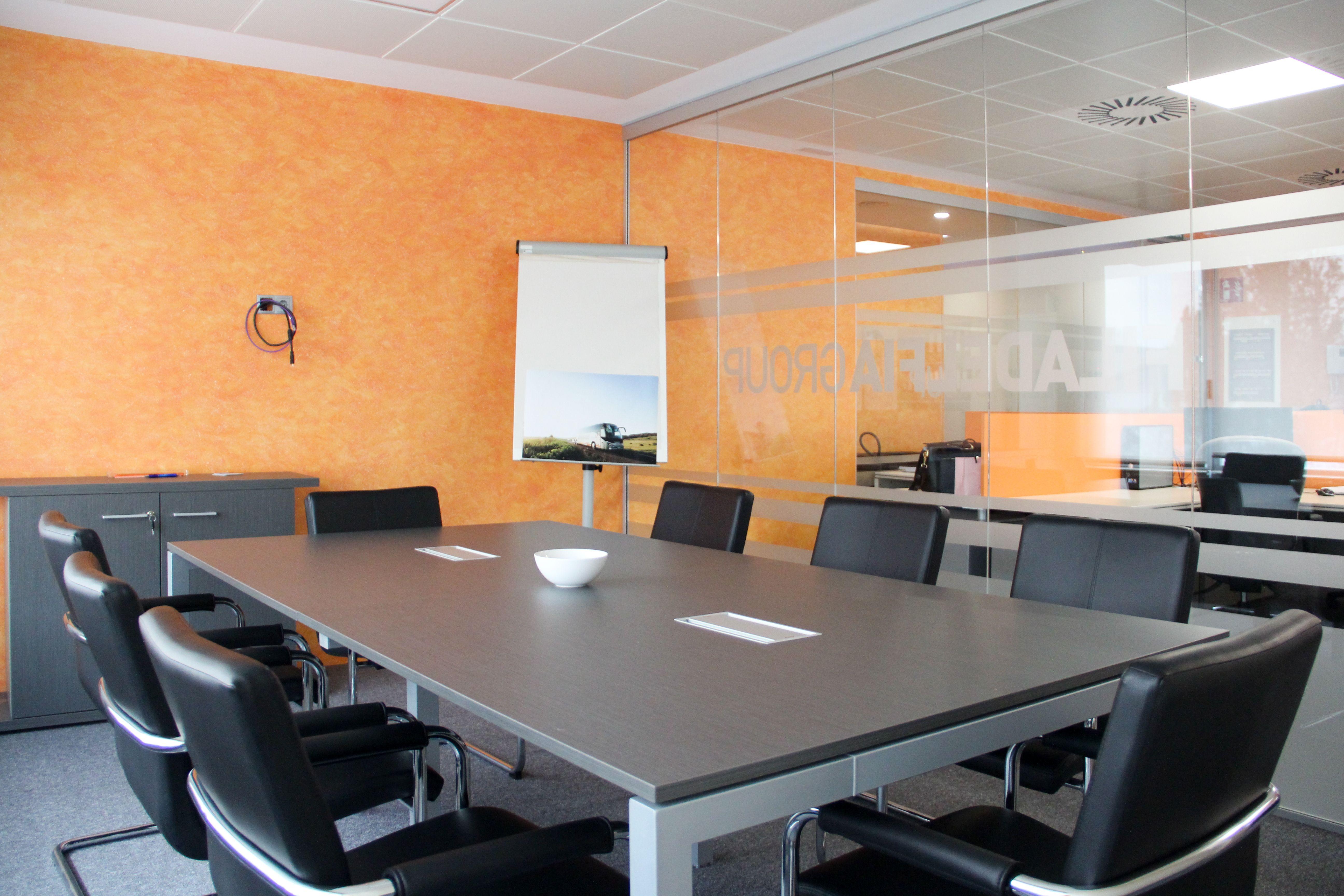 Interior de nuestra oficina en Madrid