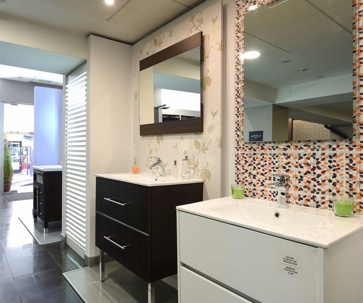 Expositor de muebles de baño