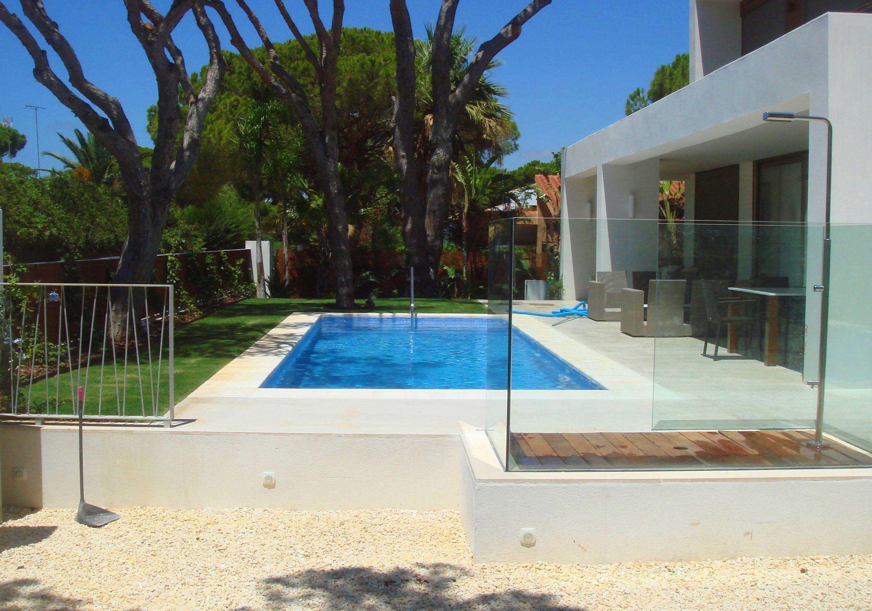 ¿Estás pensando en una piscina para tu jardín?: Nuestros servicios de Proyectos y Obras Diarsa