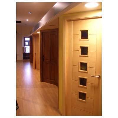 Exposición de puertas y armarios: Productos  de Puertas y Armarios Lis