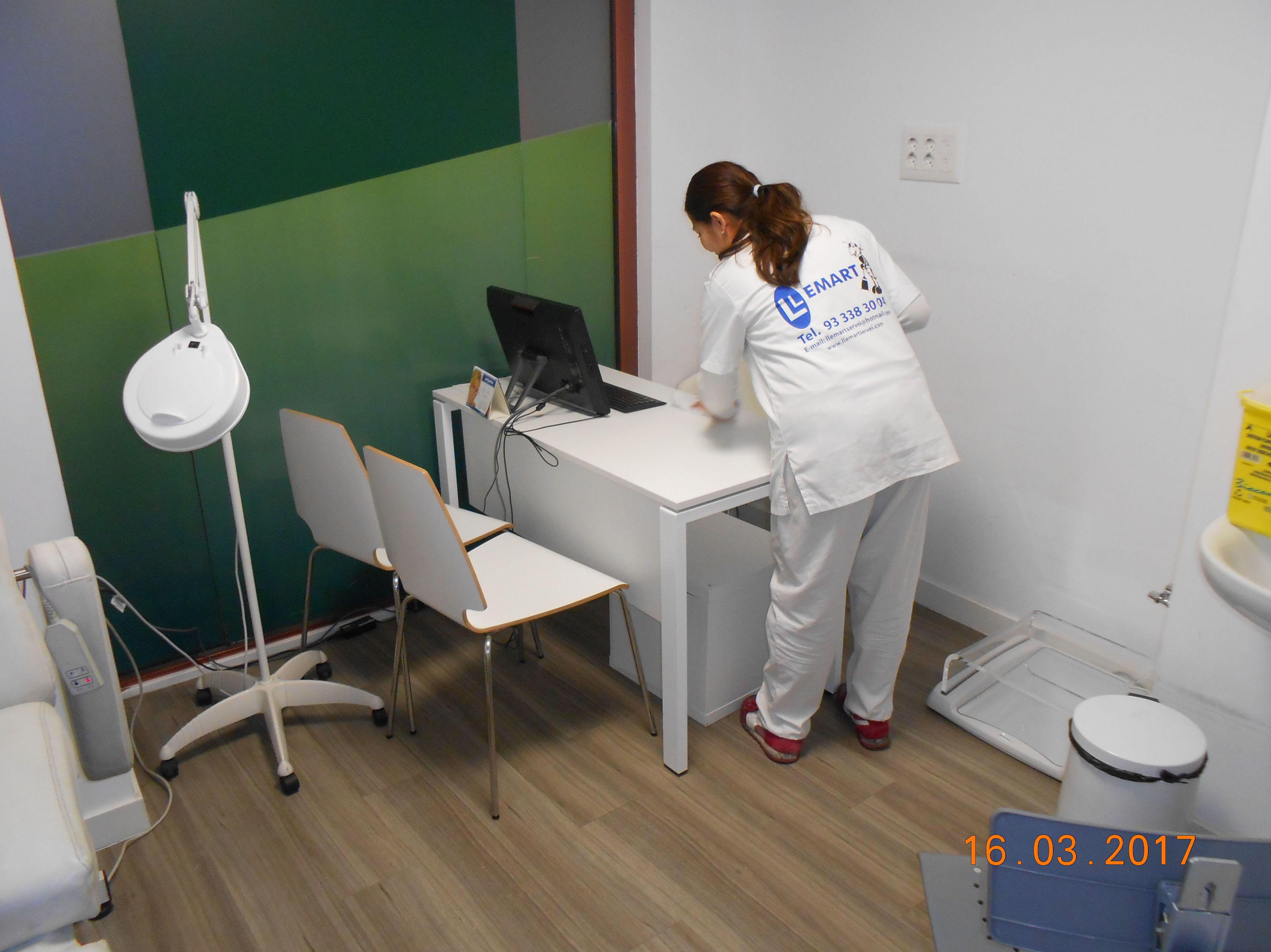 Foto 20 de Limpieza (empresas) en L'Hospitalet de Llobregat | Llemart Servei, S.L.