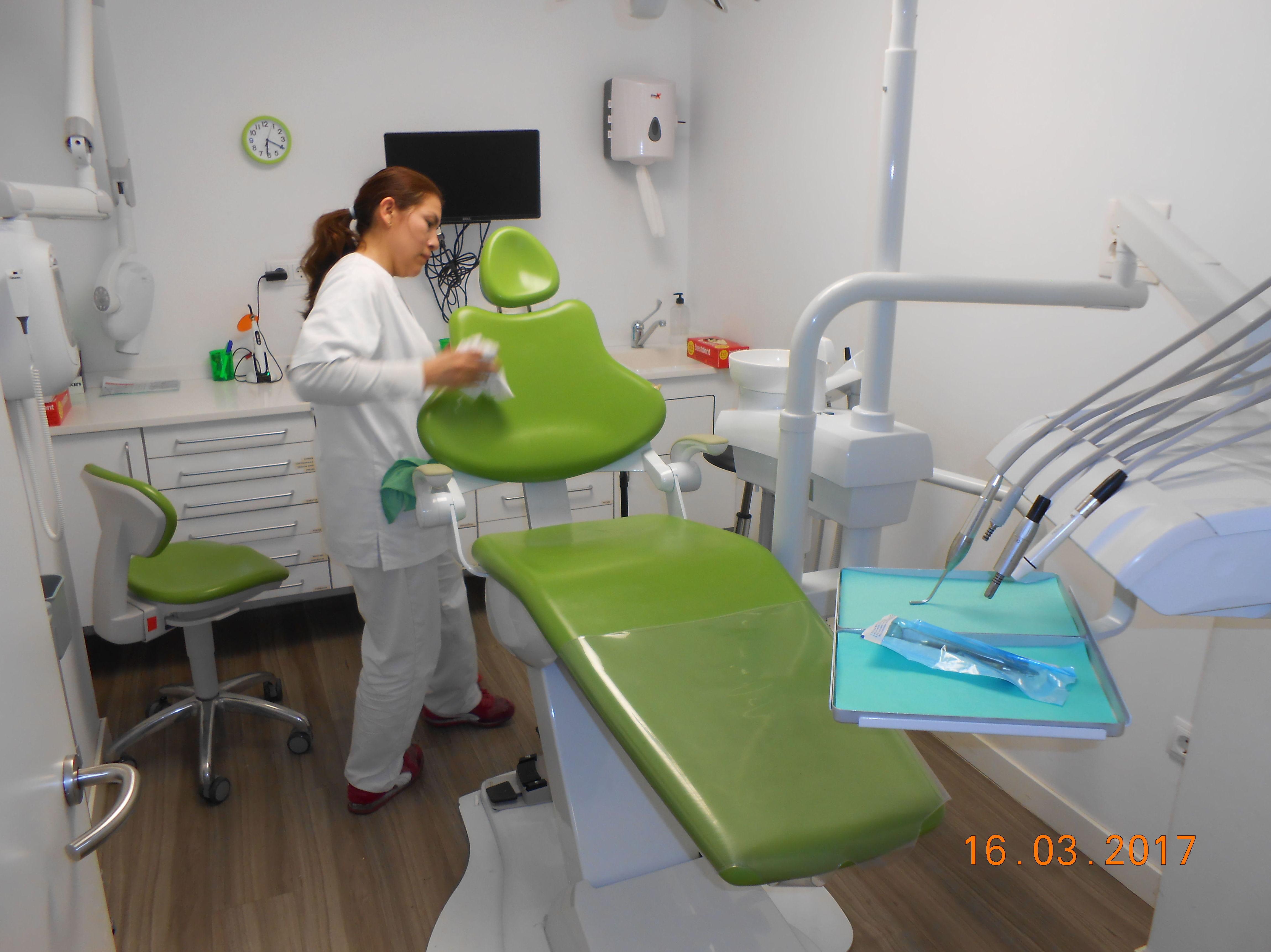 Foto 22 de Limpieza (empresas) en L'Hospitalet de Llobregat | Llemart Servei, S.L.