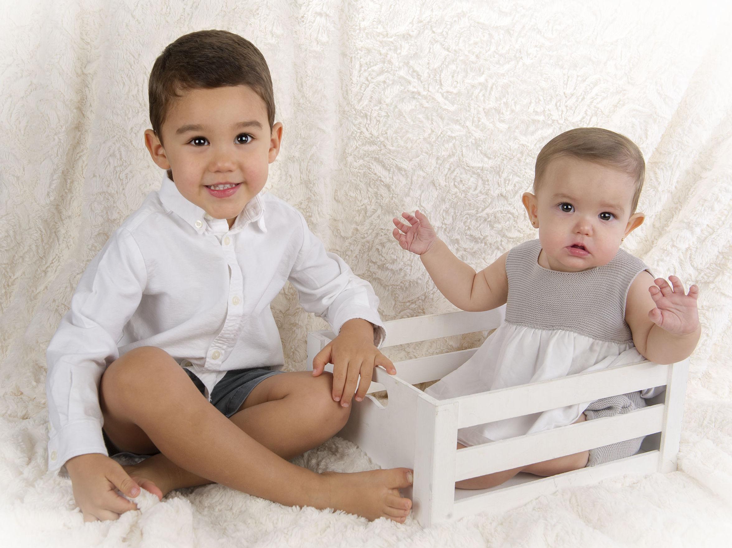 Los pequeños Joaquín y Sofía